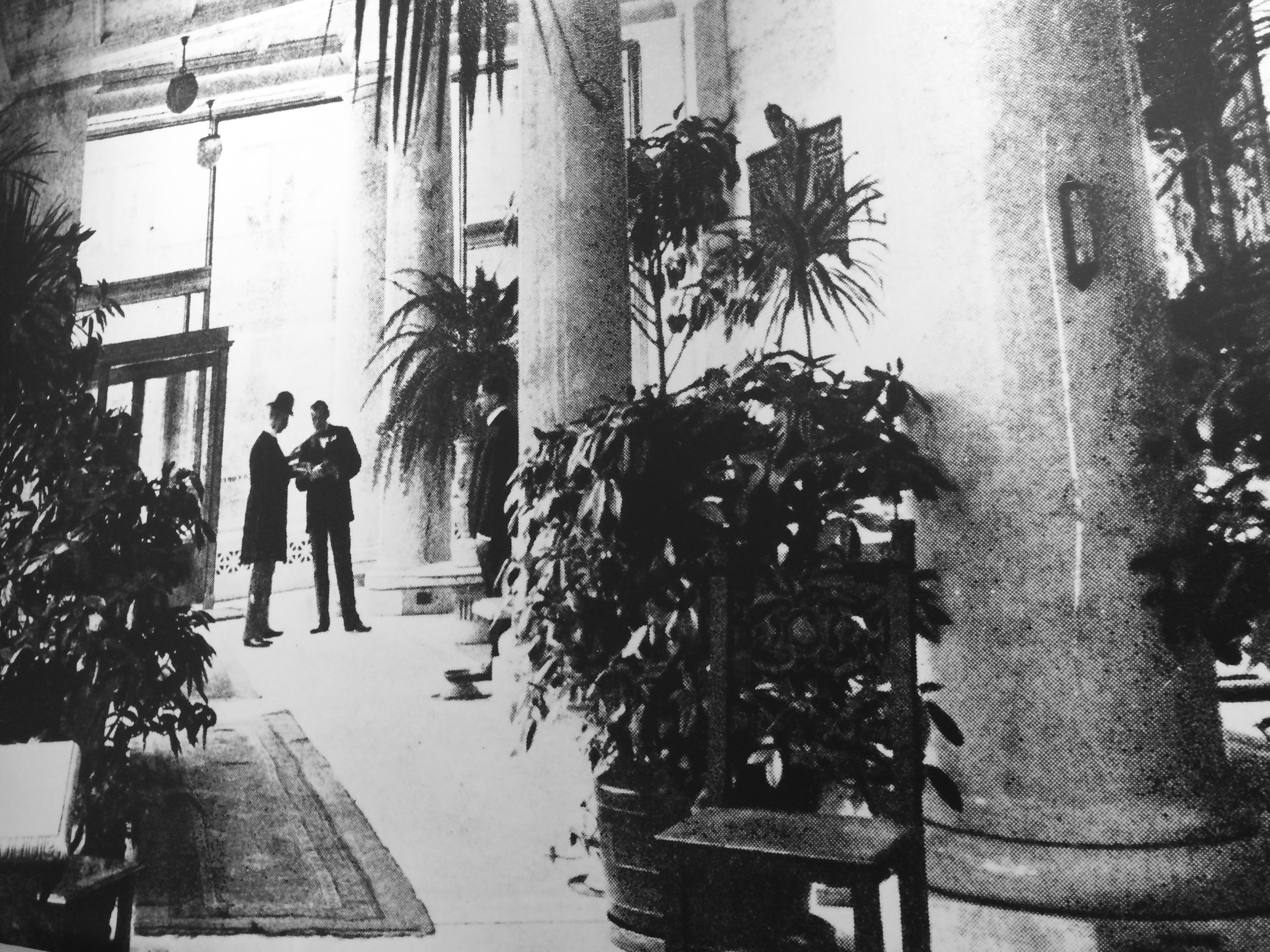 """The """"Finest Store in the World"""": Remembering the Havana Tobacco Company at the St. James"""