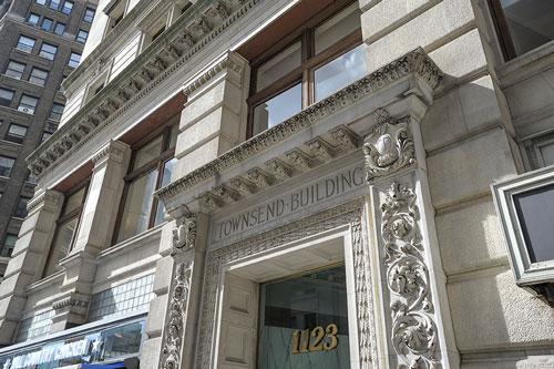 1123 Broadway Entrance Kew Management
